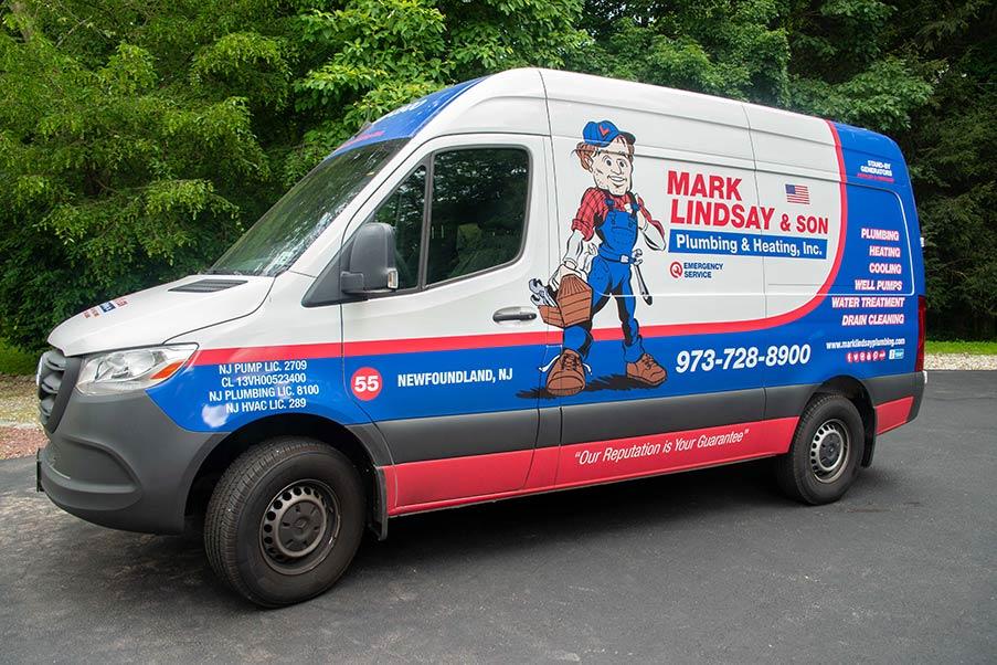 https://www.marklindsayplumbing.com/wp-content/uploads/mark_lindsay_truck.jpg